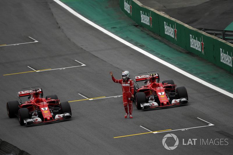 Sebastian Vettel, Ferrari SF70H celebra en parc ferme