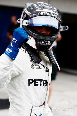 Polesitter Valtteri Bottas, Mercedes AMG F1, in Parc Ferme