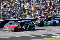 Kurt Busch, Stewart-Haas Racing Ford and Joey Gase, Tommy Baldwin Racing Chevrolet