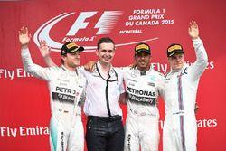 Podio: il vincitore della gara Lewis Hamilton, Mercedes AMG F1, il secondo classificato Nico Rosberg, Mercedes AMG F1, Riccardo Mosconi, Data Engineer Mercedes AMG F1, il terzo classificato Valtteri Bottas, Williams