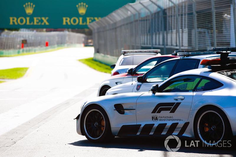 Машина безопасности Mercedes-AMG GT R и медицинская машина Mercedes-AMG C63 S