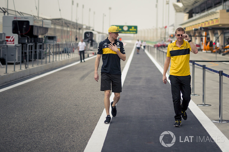 Nico Hulkenberg, Renault Sport F1 Team and Andy Stobart, Renault Sport F1 Team Press Officer