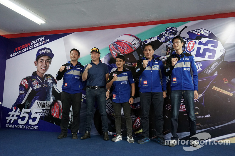 Management PT. Yamaha Indonesia Motor Mfg (YIMM) dan Galang Hendra, Yamaha Team MotoX Racing