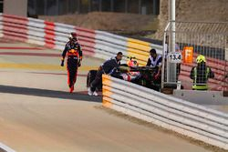 Max Verstappen, Red Bull Racing RB14 Tag Heuer, si ritira dalla gara