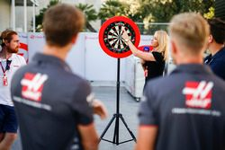 Romain Grosjean, Haas F1 Team, y Kevin Magnussen, Haas F1 Team