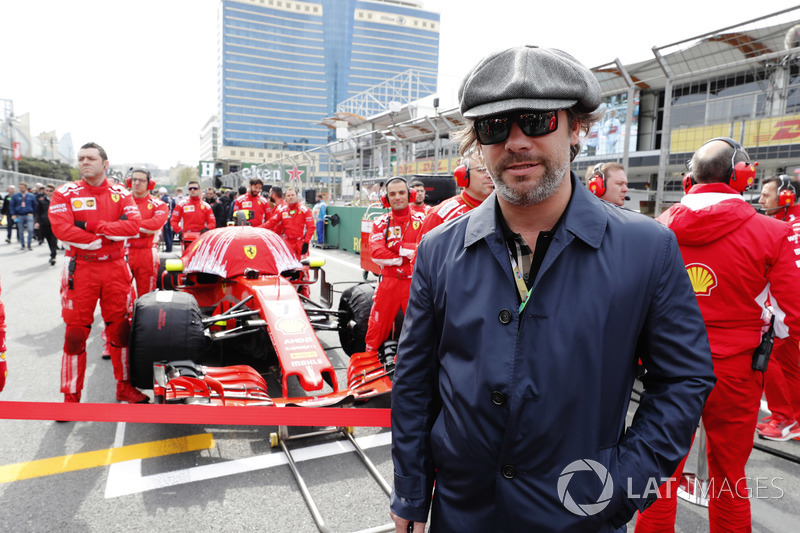 Music star Jay Kay on the grid
