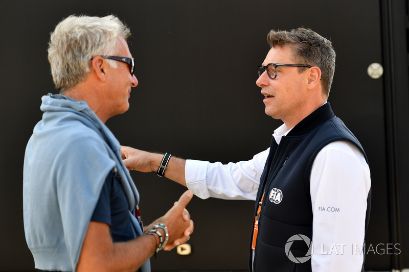 Eje Elgh, Manager of Marcus Ericsson, Sauber with Bernd Maylander, FIA Safety Car Driver