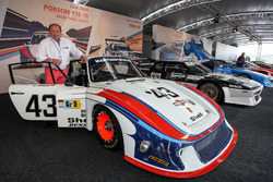 Jochen Mass y Porche 935