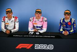 Conferenza stampa: il vincitore della gara Maximilian Gunther, BWT Arden, il secondo classificato George Russell, ART Grand Prix, il terzo classificato Lando Norris, Carlin