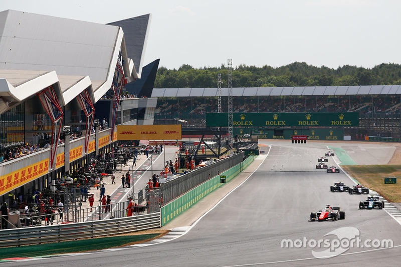 Roberto Merhi, MP Motorsport, Alexander Albon, DAMS