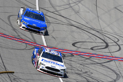 Ricky Stenhouse Jr., Roush Fenway Racing, Ford Fusion Fastenal and David Ragan, Front Row Motorsports, Ford Fusion