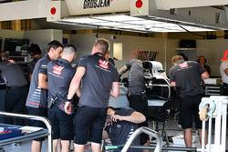 Haas F1 Team VF-18 en el graje