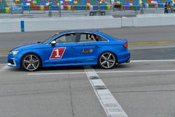 Audi tempo aracı