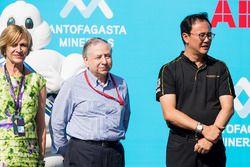 Jean Todt, presidente de la FIA con un miembro de TECHEETAH