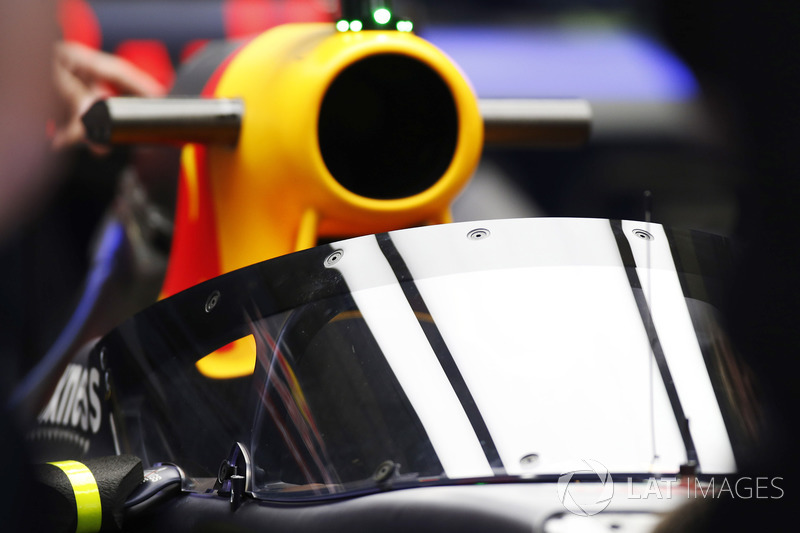 Daniel Ricciardo, Red Bull Racing RB12 con el aeroscreen