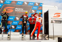 Podium: race winner Scott McLaughlin, DJR Team Penske Ford