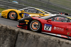 #27 Rossocorsa - Pellin Racing Ferrari 488: Alessandro Vezzoni, #92 Stratstone Ferrari Ferrari 488: