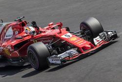 Le poleman Sebastian Vettel, Ferrari SF70H