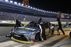 Erik Jones, Joe Gibbs Racing Toyota pit stop