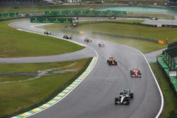 Nico Rosberg, Mercedes F1 W07 Hybrid, leads Kimi Raikkonen, Ferrari SF16-H, Max Verstappen, Red Bull Racing RB12, Sebastian Vettel, Ferrari SF16-H, Daniel Ricciardo, Red Bull Racing RB12, Nico Hulkenberg, Force India VJM09 and Sergio Perez, Force India VJM09