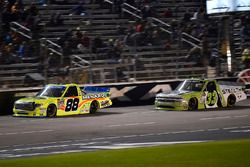 Matt Crafton, ThorSport Racing Toyota, Kaz Grala, GMS Racing Chevrolet