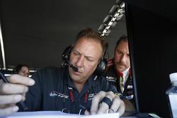 #31 Action Express Racing Cadillac DPi, P: Eric Curran, Felipe Nasr, Mike Conway, engineer