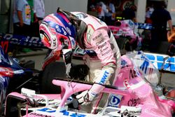 Sergio Perez, Force India VJM11 in parc ferme
