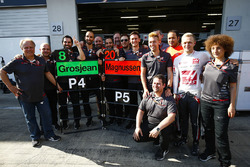Gene Haas, Team Owner, Haas F1, celebrates with his employees, including Kevin Magnussen, Haas F1 Team