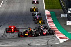 Daniel Ricciardo, Red Bull Racing RB14, Romain Grosjean, Haas F1 Team VF-18, Kevin Magnussen, Haas F1 Team VF-18, Sebastian Vettel, Ferrari SF71H, Nico Hulkenberg, Renault Sport F1 Team R.S. 18