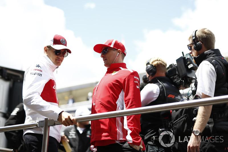 Marcus Ericsson, Sauber e Kimi Raikkonen, Ferrari nella drivers parade