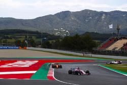 Sergio Perez, Force India VJM11, Stoffel Vandoorne, McLaren MCL33 y Marcus Ericsson, Sauber C37