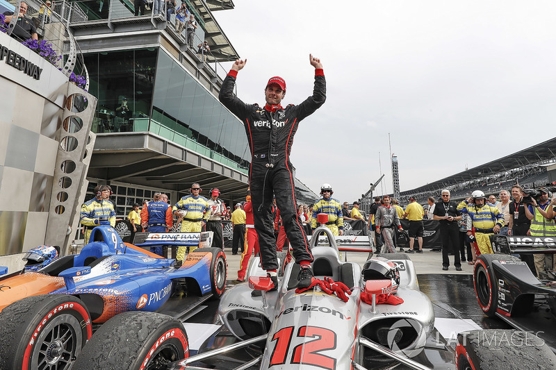 Will Power, Team Penske Chevrolet celebrates in victory lane