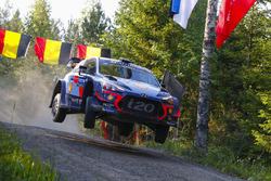 Тьєррі Ньовілль, Жюльєн Інграссія, Hyundai i20 WRC, Hyundai Motorsport