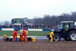 Michael Schumacher, Benetton Ford B193B spins out of the race