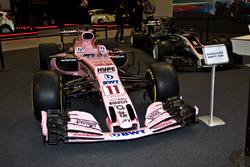 Une Force India et une Haas