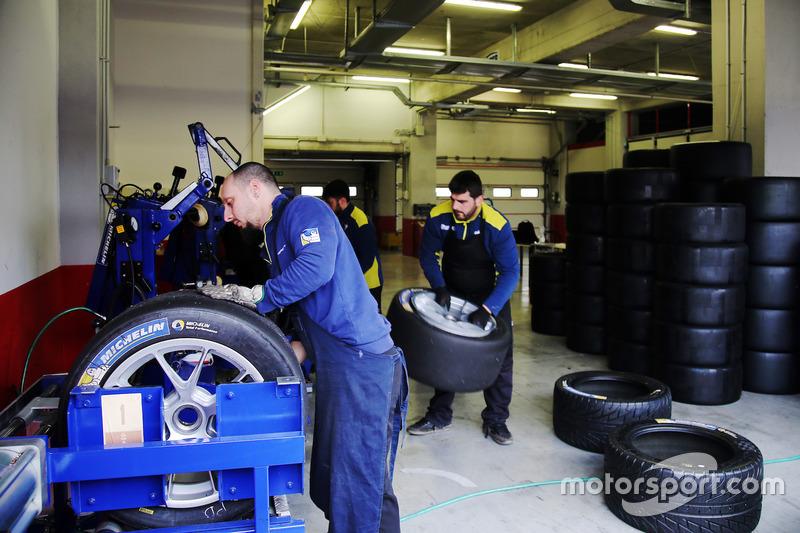 Meccanici e pneumatici Michelin