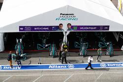 Garage di Mitch Evans, Jaguar Racing, Nelson Piquet Jr., Jaguar Racing