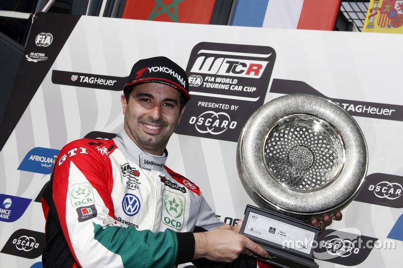 Podio: il secondo classificato Mehdi Bennani, Sébastien Loeb Racing Volkswagen Golf GTI TCR