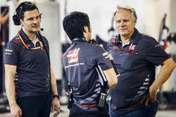 Ayao Komatsu, Chief Race Engineer, Haas F1, and Gene Haas, Team Owner, Haas F1, celebrate a good result