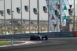 Льюіс Хемілтон, Mercedes-Benz F1 W08, іскрить