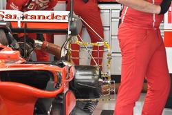 Une Ferrari SF70H avec des capteurs à l'arrière