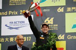 Podio:segundo lugar Augusto Farfus, BMW Team Schnitzer, BMW M6 GT3