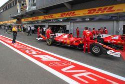 Bosquejo del logotipo de la F1 en el pitlane