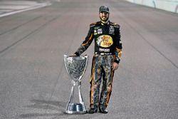 Мартин Труэкс-мл., Furniture Row Racing Toyota празднует чемпионский титул в NASCAR Monster Energy C