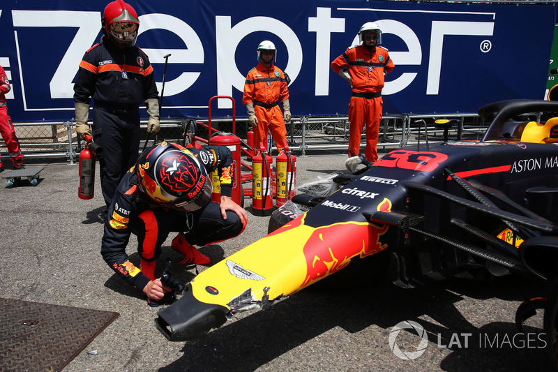 6. Monaco: crash in kwalificatie, negende in race
