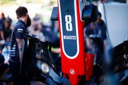 La nariz del coche de Romain Grosjean Haas F1 Team VF-18