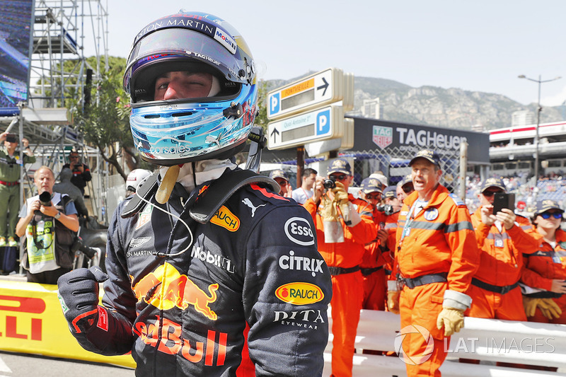 Il poleman Daniel Ricciardo, Red Bull Racing