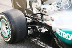 Detalle de suspensión trasera del Mercedes AMG F1 W07