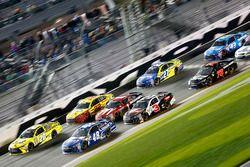 Jimmie Johnson, Hendrick Motorsports Chevrolet and Matt Kenseth, Joe Gibbs Racing Toyota; Austin Dil