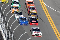 Rennaction: Joey Logano, Team Penske Ford leads